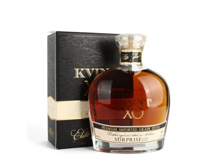 detail Brandy KVINT Surprise 10 let 0,5L
